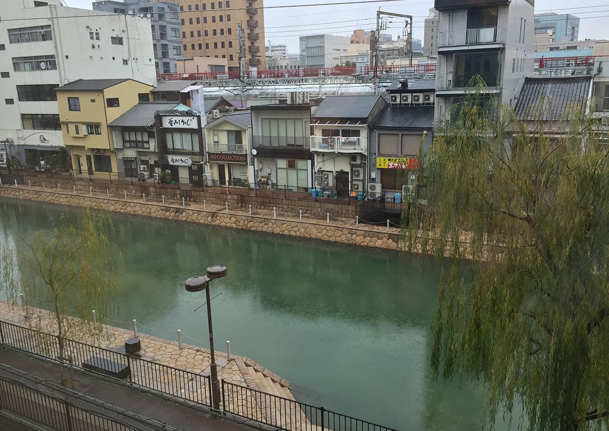 吉塚うなぎ屋からの風景